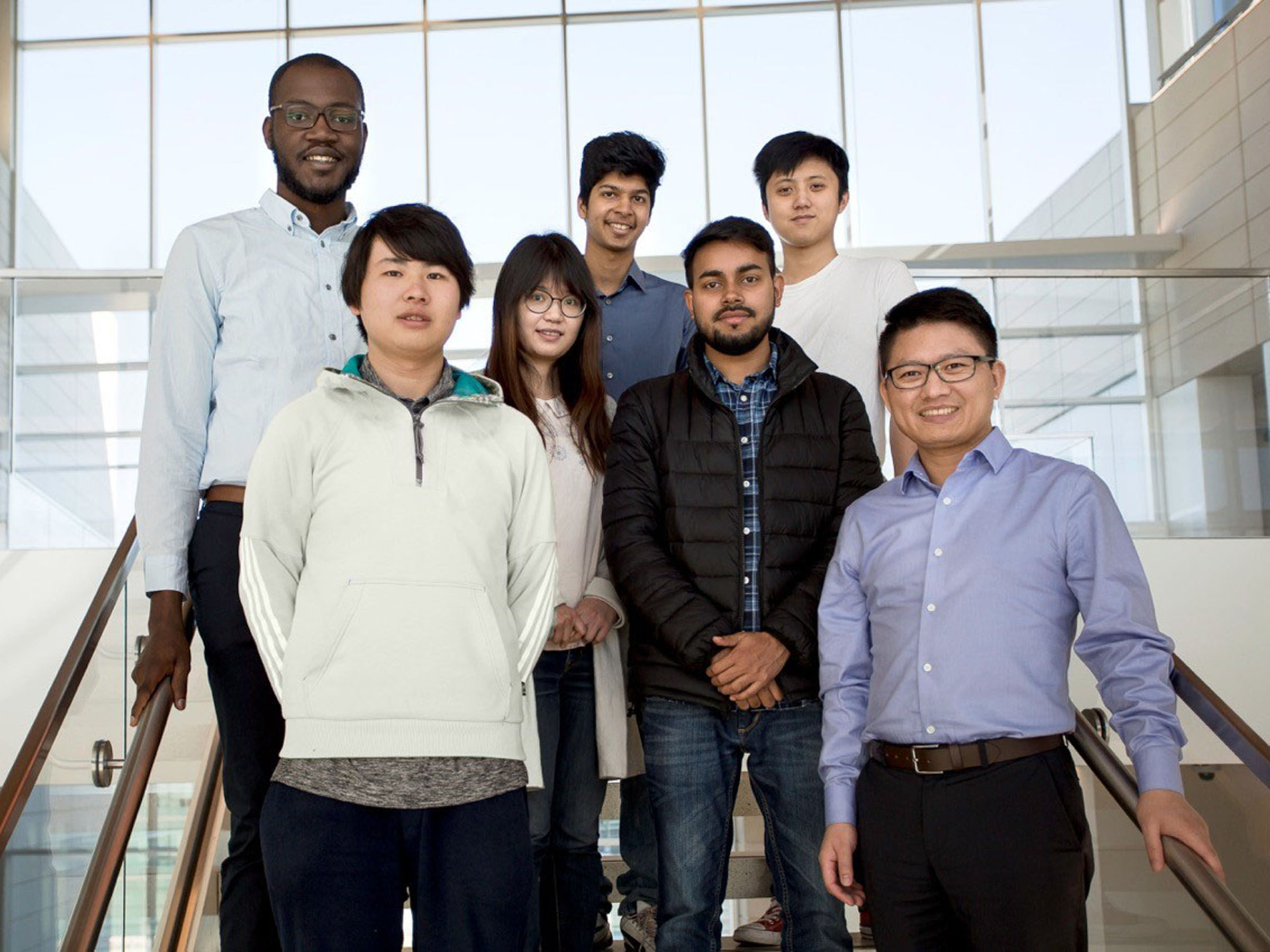 Dr. Simon Dai with his team of Mechanical Engineering Graduate Students